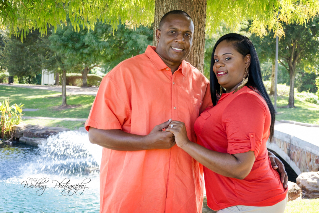 Engagement Session at Oyster Creek Park in Sugar Land